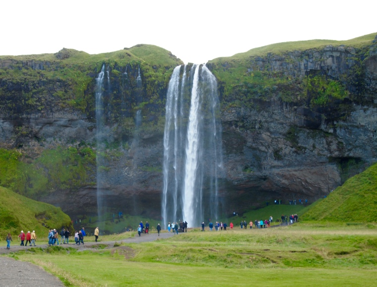 crowds at Seljalandsfoss