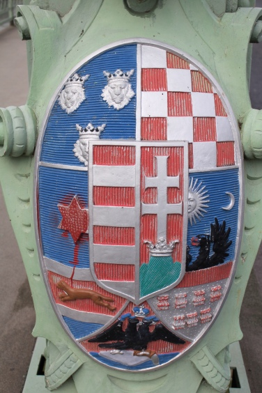 coats for arms from the Mária Valéria bridge