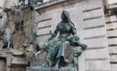 detail Matthias Fountain