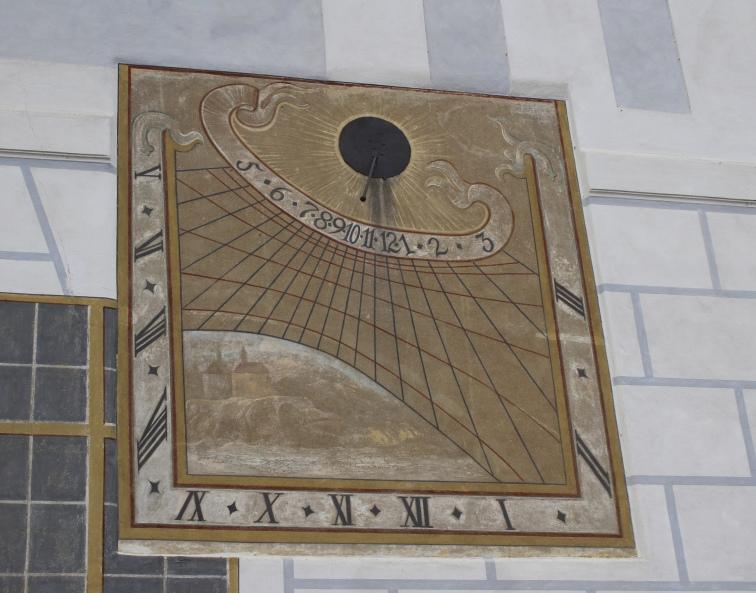clock at Český Krumlov State Castle