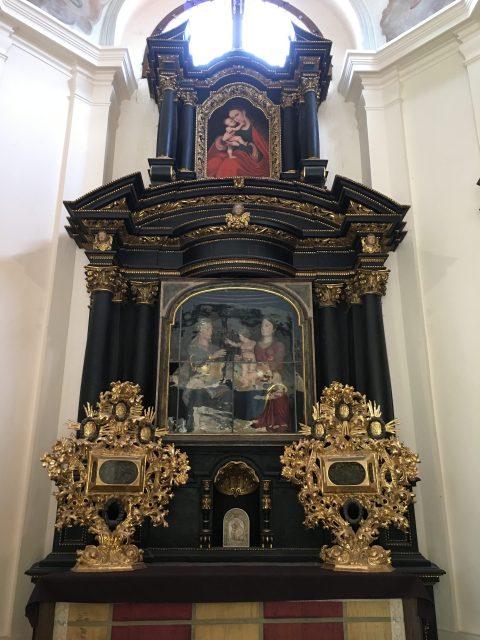 altar at the Loreta